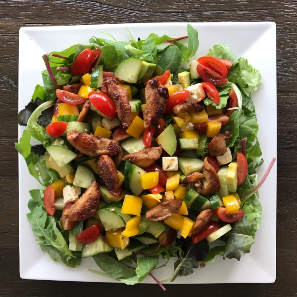 Hoe maak je Salade met kip en avocado