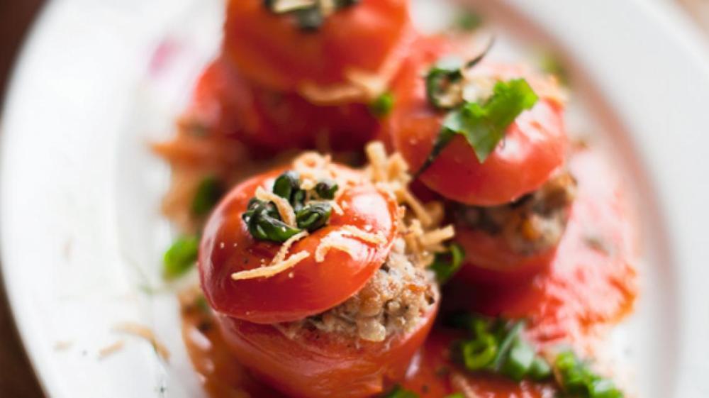 Hoe maak je Tomaten gevuld met gehakt